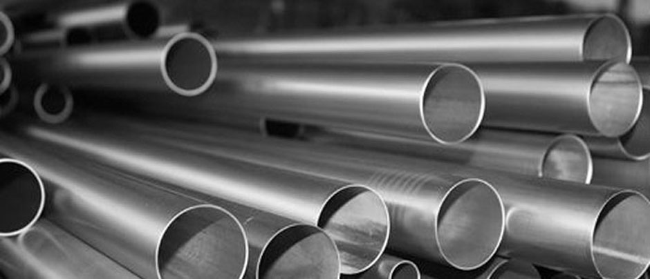 Stainless Steel 304L Seamless Pipe & 304L Seamless Pipe/ Tube in Our Stockyard